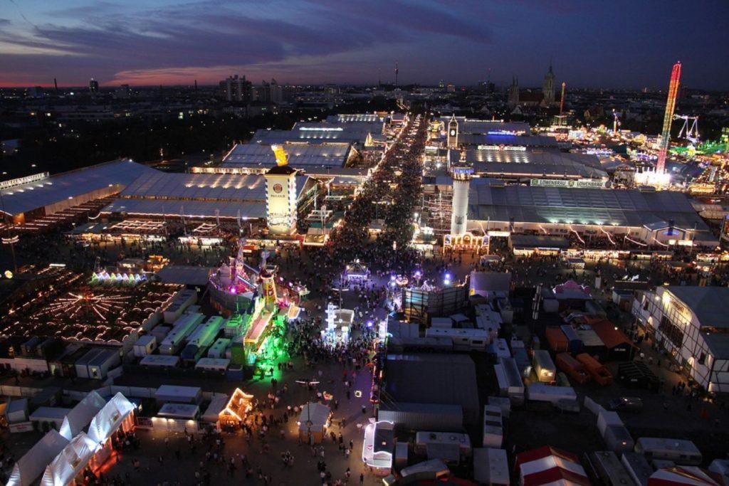 Фестиваль Октоберфест Мюнхен Германия